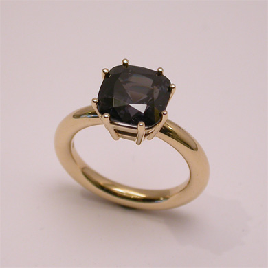 Ring Gelbgold  Spinell